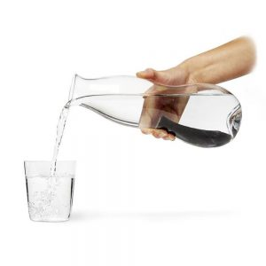 box-appetit-eau-carafe-cut-out-hand-by-black-and-blum_1024x1024